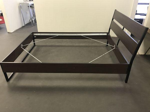 Dark Brown Queen Size Bed Frame Furniture In St Louis Mo Offerup
