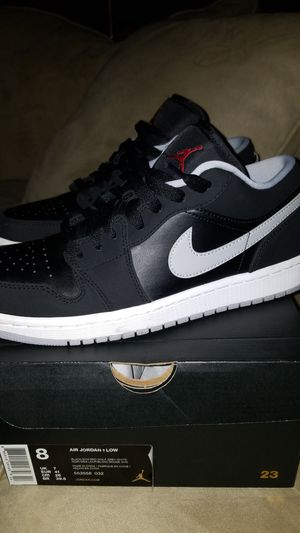 Air jordan 1 low size 8 mens. for Sale in Boston, MA