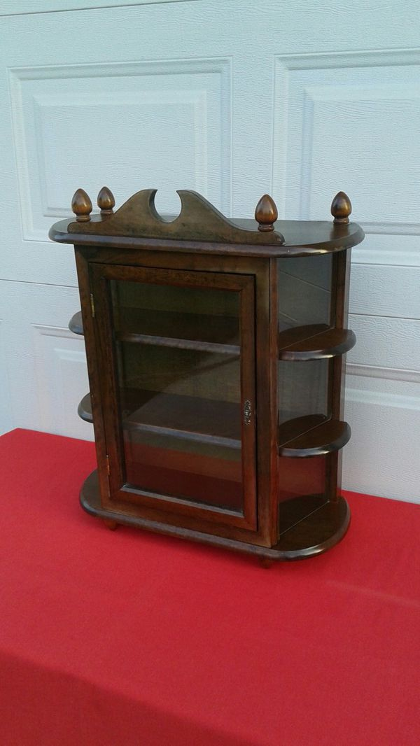 SMALL VINTAGE WALL MOUNT CURIO DISPLAY CABINET for Sale in Corona, CA -  OfferUp - SMALL VINTAGE WALL MOUNT CURIO DISPLAY CABINET For Sale In Corona