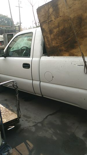 Gmc 2000 parting out for Sale in Manteca, CA