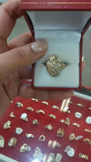 Womans Diamond Cut Gold Ring for Sale in Orlando, FL