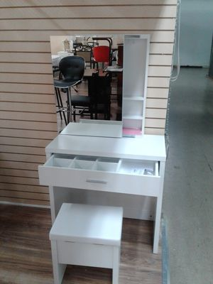 Photo NEW, lovely mirrored vanity and stool with hidden privacy compartment behind the mirror.