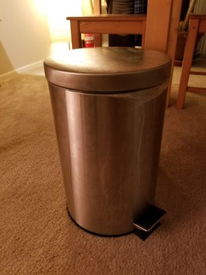 Stainless steel trash can with step open for Sale in Alexandria, VA
