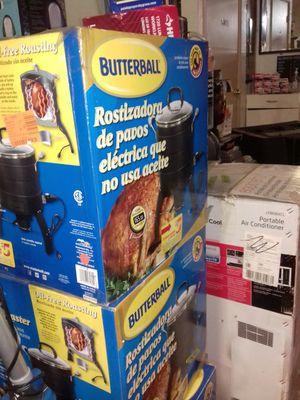 Butterball turkey roaster oil-free Electric for Sale in Phoenix, AZ