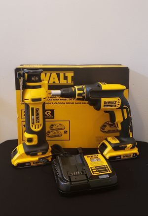 Photo New Kit Dewalt Drywall Screwgun Drywall Cut Out whit Batteries (2) 2.0AH and Charger FIRM PRICE