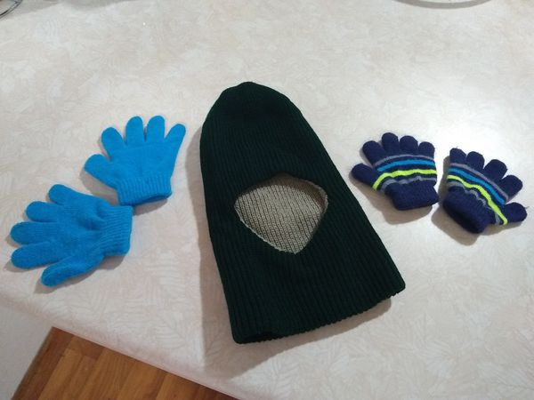 Woolen Monkey cap and 2 sets of handgloves for 2 years old at $ 3 for Sale  in Oak Creek, WI - OfferUp