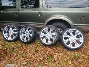 Photo 22 CHROME RIMS..5 LUG UNIVERSAL TOOK OFF DODGE CHARGER..RUSTY ON EDGES..NEEDS 2 TIRES [265/35/22]