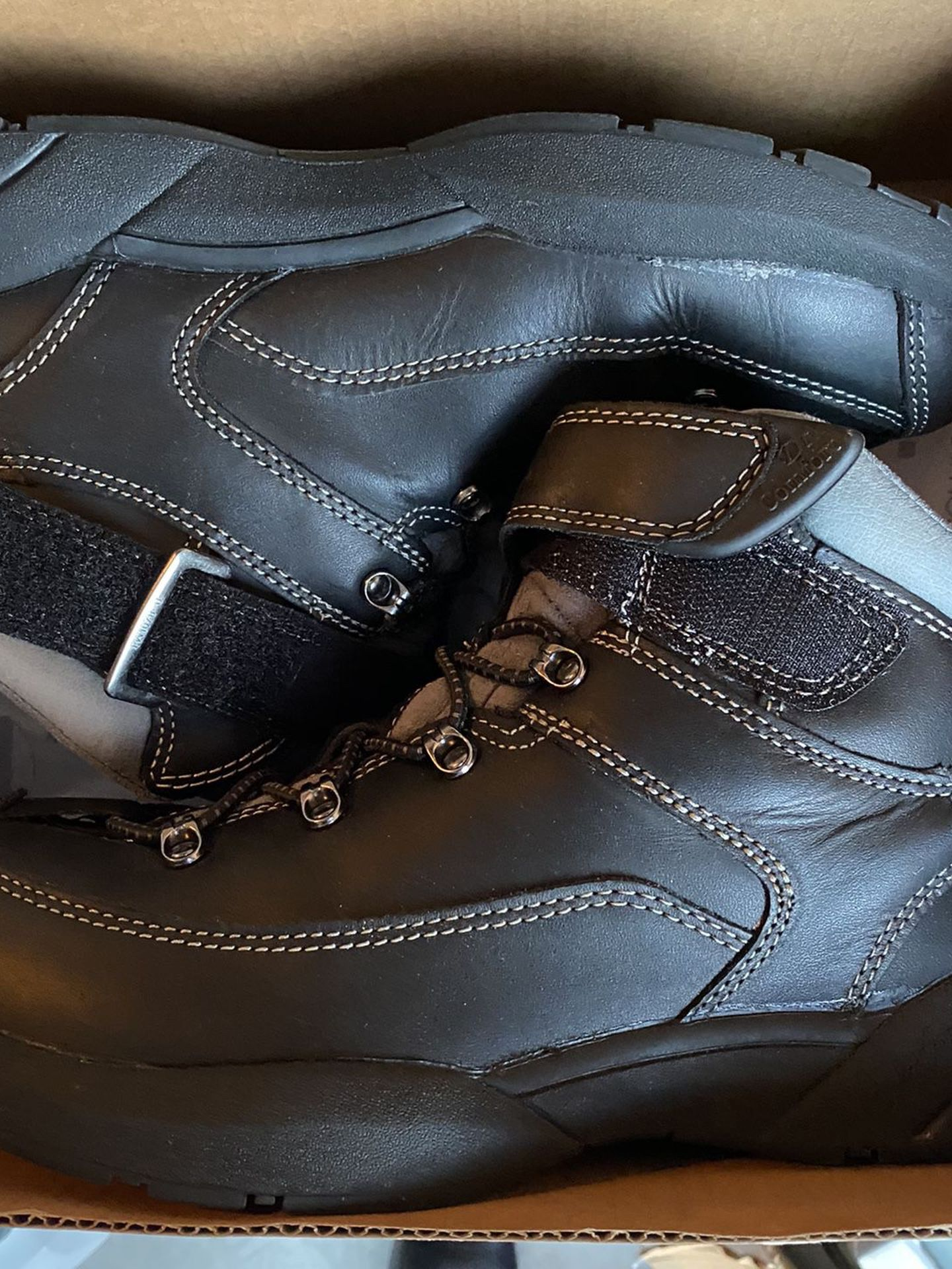Men's Shoes Boots 9 1/2 Dr. Comfort Almost New