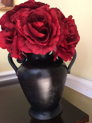Decorative vase and flowers for Sale in Elgin, IL