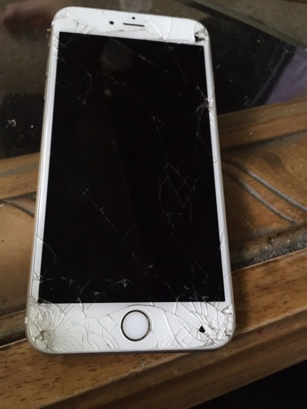 1a8ffd2d639 iPhone 6s Plus Verizon (cracked screen bad esn) for Sale in Louisville