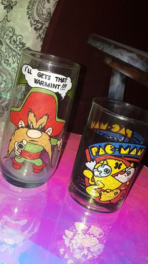 Yosemite Sam Pac-Man glasses collection 80s glass for Sale in Scottsdale, AZ