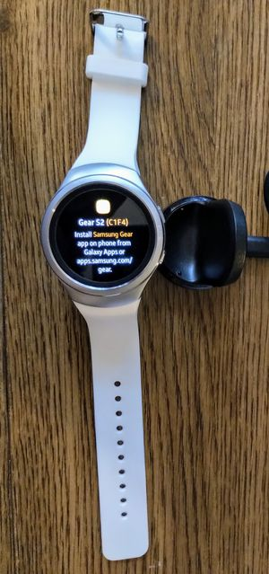 White Samsung Gear S2 Smart Watch (4G + Bluetooth) for Sale in Alexandria, VA