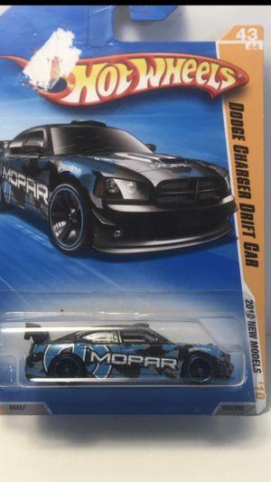 Photo Hot Wheels 2010 Dodge Charger Drift Car 2010 Models 043/240 Mopar 1/64