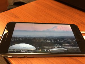 Unlocked iPhone 6S 64GB for Sale in Bellevue, WA