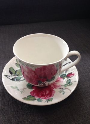 English Rose 🌹 Tea cup with Saucer. Please See All The Pictures and Read the description for Sale in Arlington, VA