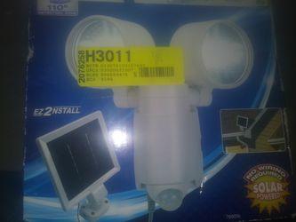 Brinks solar motion light Thumbnail