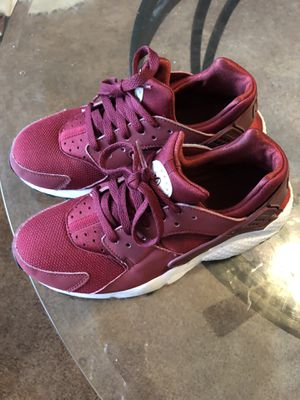 Nike Huarache Size 5.5 for Sale in Oxon Hill, MD