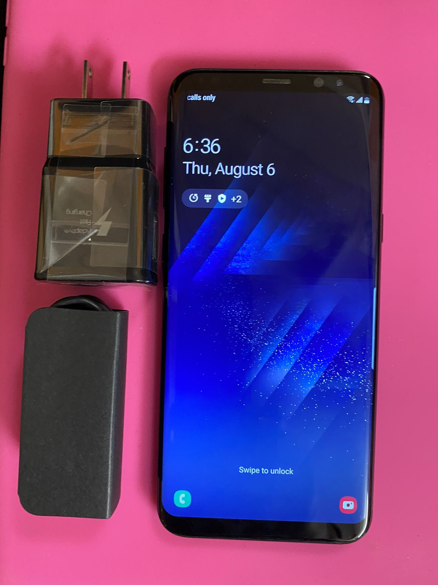 Samsung galaxy s8 plus unlocked,sold with store warranty