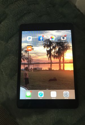 ipad mini 16gb verizon unlocked mint condition with case and charger for Sale in Orlando, FL