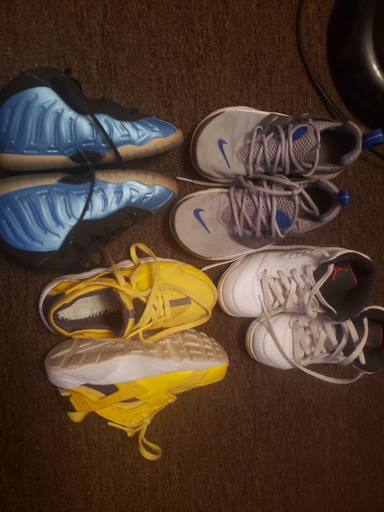 Kid sneakers