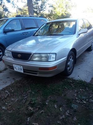 95 Toyota Avalon lx for Sale in Fort Washington, MD