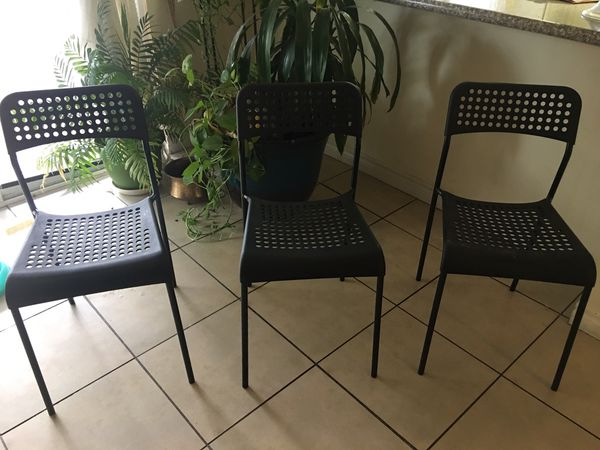 Set of 3 black plastic and metal legs kids chair all with 25 $ firm ...