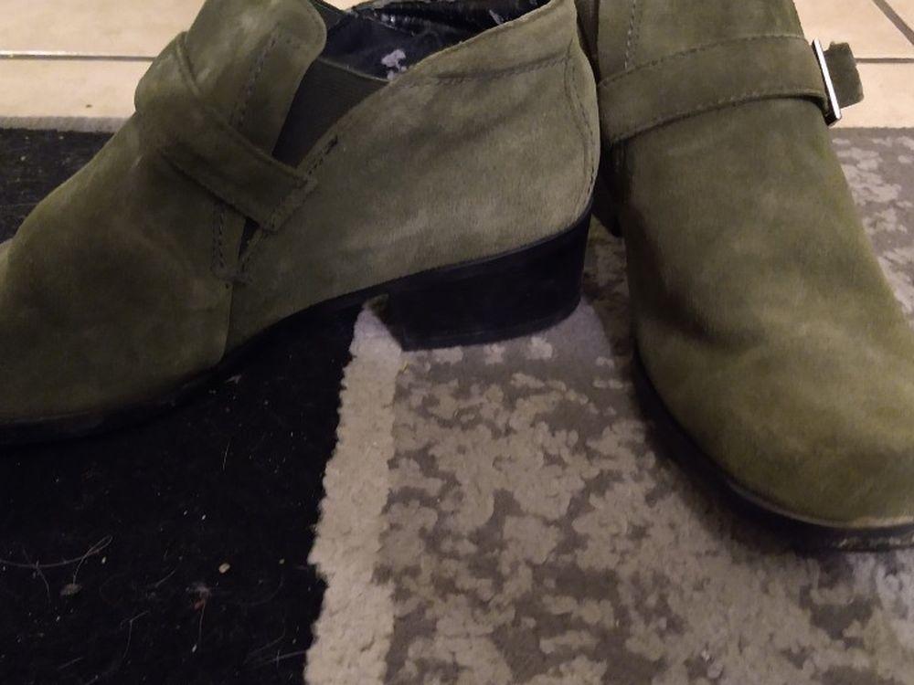 Green Boot Cut