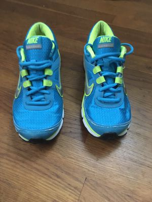 Nike ladies running shoe for Sale in Mount Rainier, MD