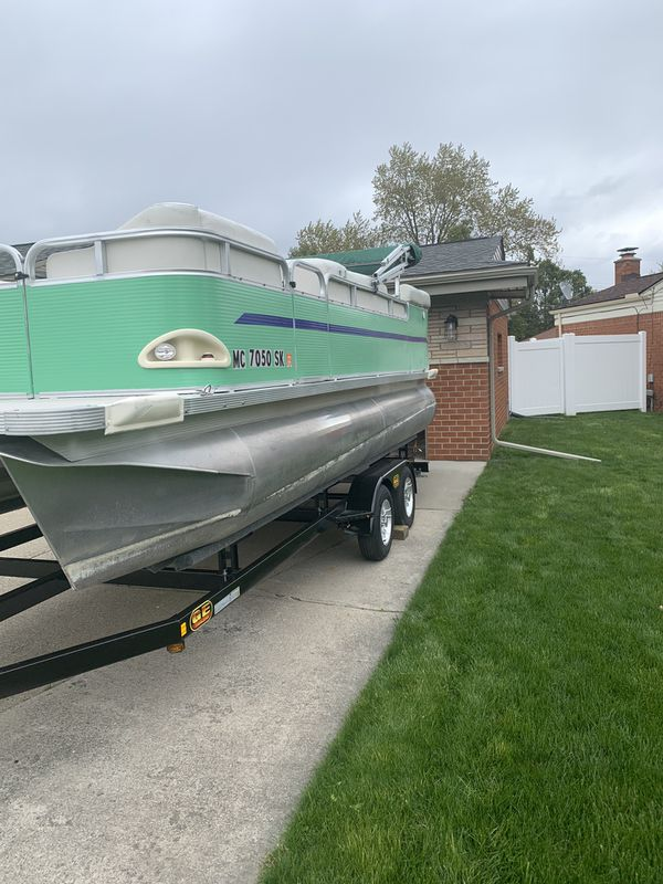 20 ft pontoon boat 2007