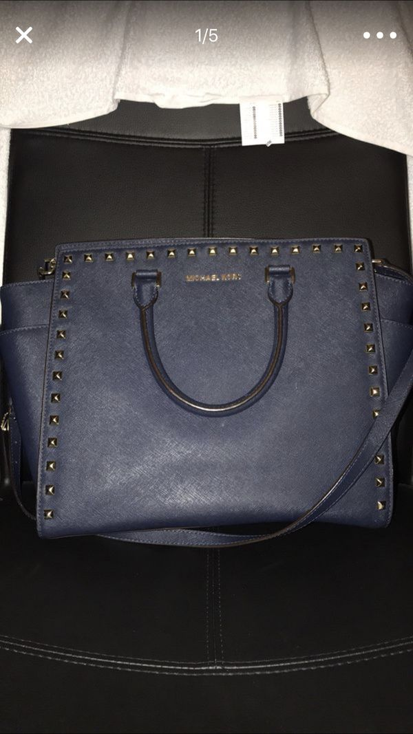 38ea20abc5f2 Michael kors large studded selma for Sale in Las Vegas