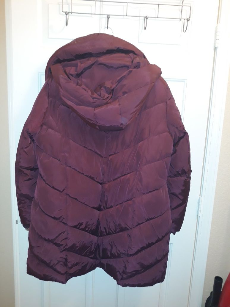Steve Madden polyester winter coat. XL, padded with padded hood. Very warm