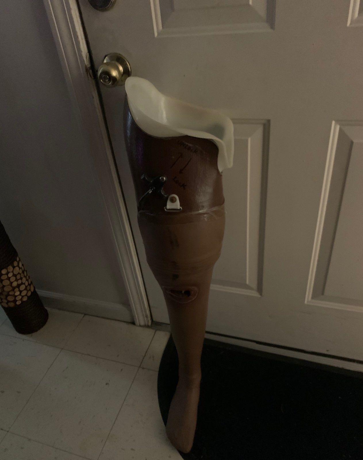 Prosthetic right leg