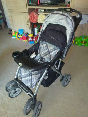 Photo Eddie Bauer baby/infant car seat with base/stroller combo