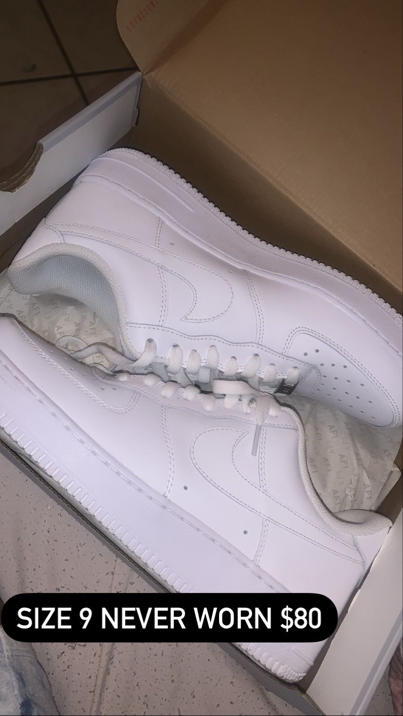 2 Pair Of Nike's Size 9.5