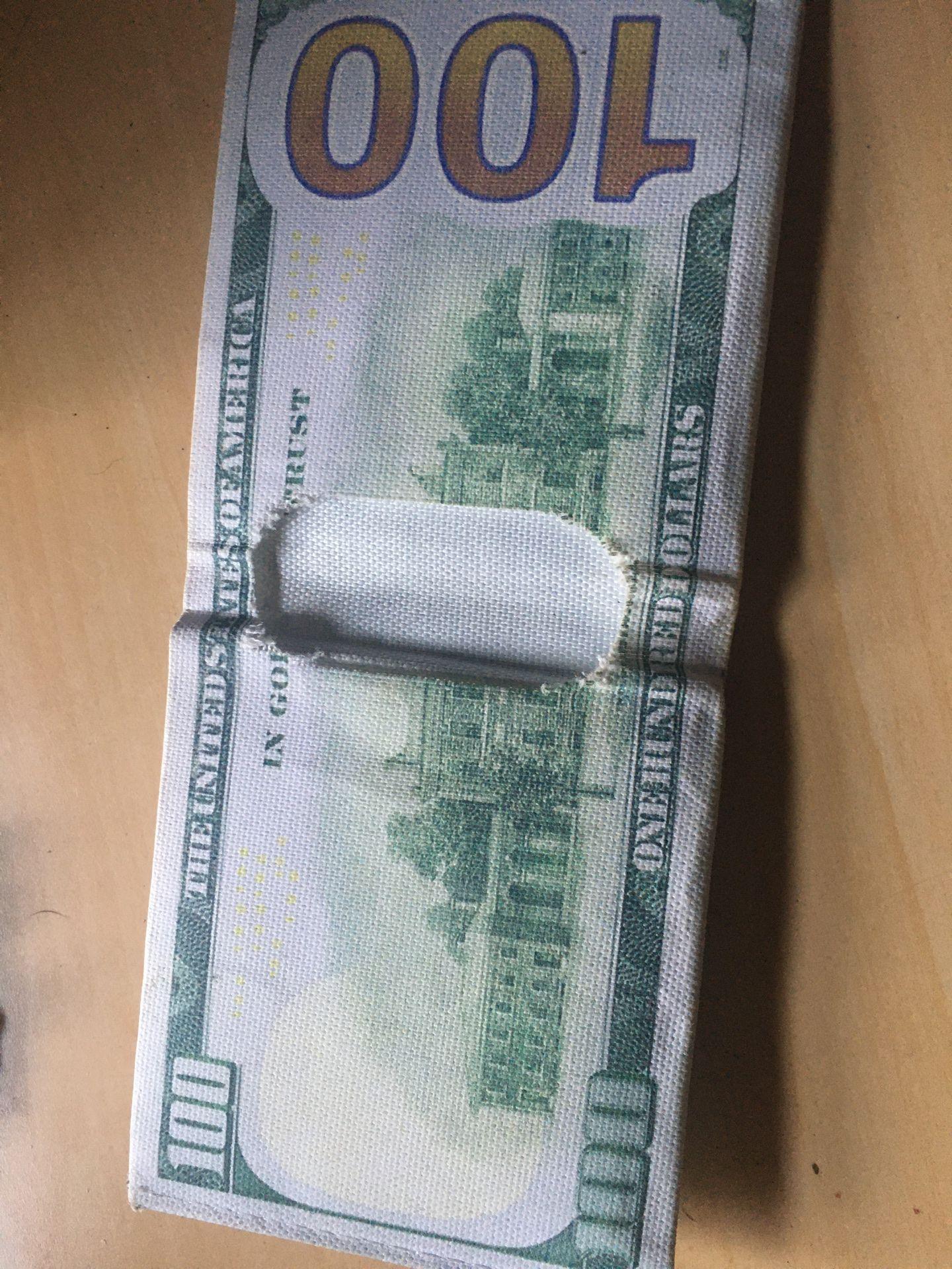 100 dollar bill wallet