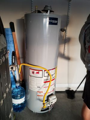 Gas water heater for Sale in Kissimmee, FL