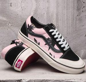0ac12fe353f291 Van s cute pattern sneakers for Sale in Spartanburg