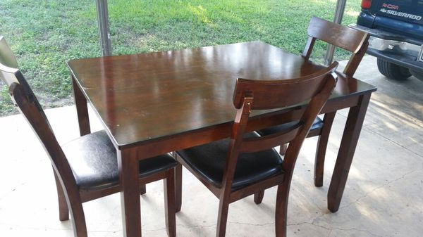3 Normal Height Chairs And Table For Sale In San Antonio TX