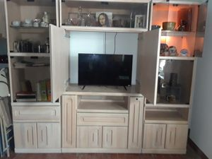 Tv / Entertainment Unit for Sale in Pittsburgh, PA