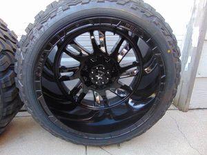 Photo 33 12.50 22 RDR MUD Tires & 22X14 Black/Chrome Insert RBP Rims *6 LUG*