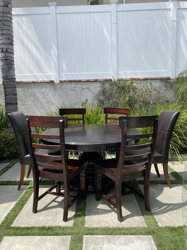Z Gallerie Black Pedestal Table W 6 High Back Chairs For