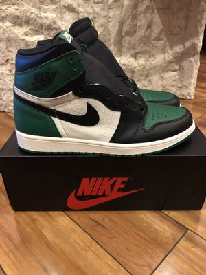 Jordan 1 pine green Sz 11 for Sale in Baltimore, MD