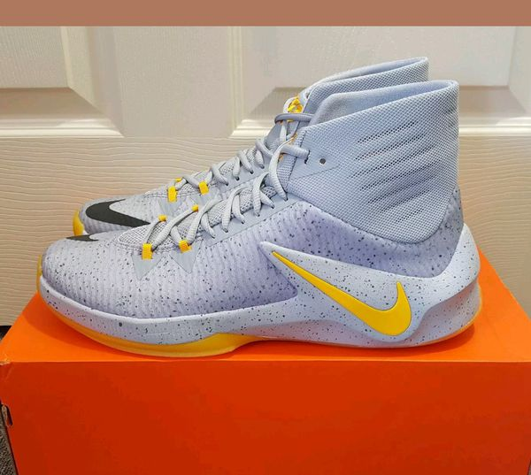 newest collection 46d56 14f9b New in box Men s Nike Zoom Clear Out PE Grey Yellow Basketball Shoes 888404  071 for Sale in Piscataway Township, NJ - OfferUp