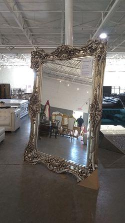 Giant Mirror Thumbnail