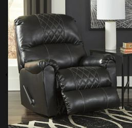 🦋on display 🦋🎈Betrillo Black Living Room Set ,🎈🥂 Thumbnail