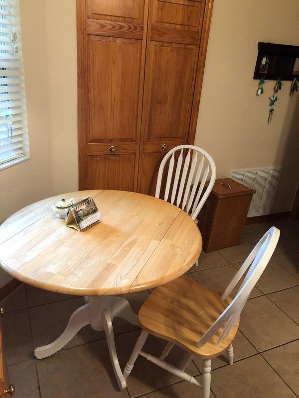 Kitchen Table And 2 Chairs For Sale In Altoona Fl Offerup