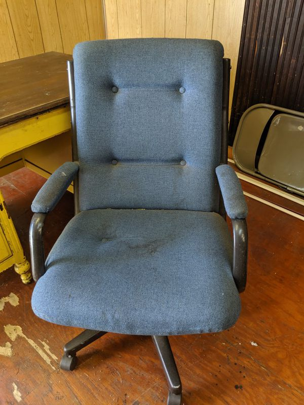 Surprising New And Used Office Chairs For Sale In Reading Pa Offerup Home Interior And Landscaping Ologienasavecom