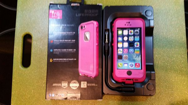 pretty nice 31d84 750d0 LifeProof Fre' Waterproof Case, New in the Box! Fits iPhone 5 & 5S for Sale  in Loxahatchee, FL - OfferUp