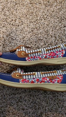 Womens Sperry shoes Thumbnail