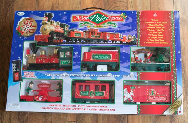 Christmas Train Set.Scale Express Christmas Train Set For Sale In Palm Beach Gardens Fl Offerup